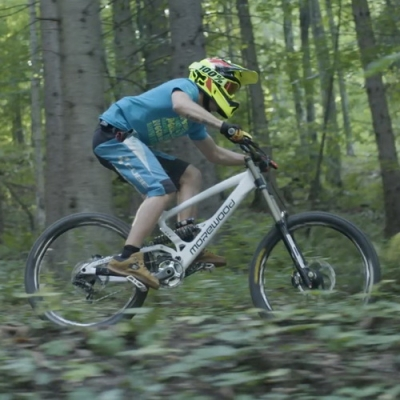 Amazing Downhill Mountain Biking-5